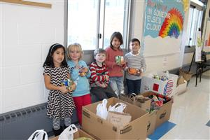 Roosevelt collects canned food during Red Ribbon Week