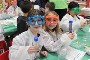 Roosevelt second graders with bubbling test tubes