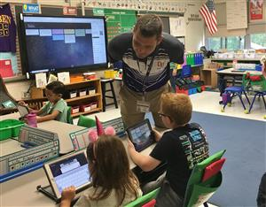 Mr. Agostini's 2nd grade class uses ipads