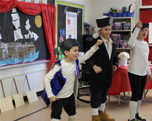 4th graders reenact the american revolution